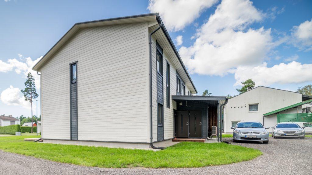 Uus paarismaja Pärnus, Lõvisaba tee 8